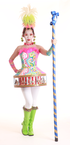 321151_carousel_girl_gallery.png